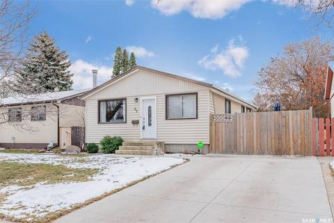 House for sale at 83 Ross Cres Saskatoon Saskatchewan - MLS: SK798156