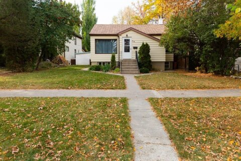 House for sale at 830 7 St S Lethbridge Alberta - MLS: A1041897