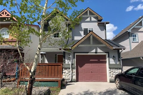 House for sale at 830 Wilson Wy Canmore Alberta - MLS: C4278530