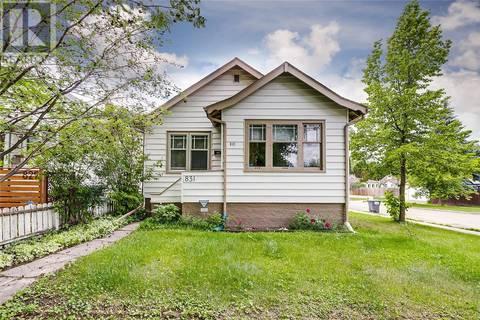 House for sale at 831 G Ave N Saskatoon Saskatchewan - MLS: SK780161