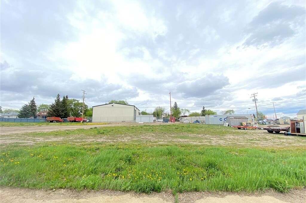Home for sale at 832 105th St North Battleford Saskatchewan - MLS: SK809795