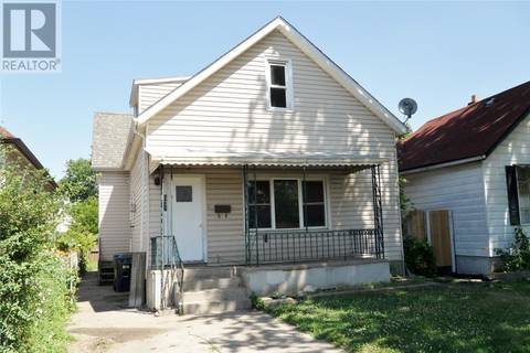 Townhouse for sale at 832 Assumption  Windsor Ontario - MLS: 19021659