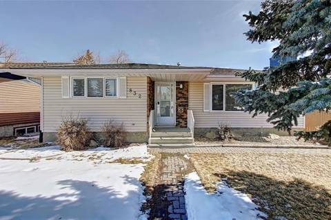 House for sale at 832 Canterbury Dr Southwest Calgary Alberta - MLS: C4292204