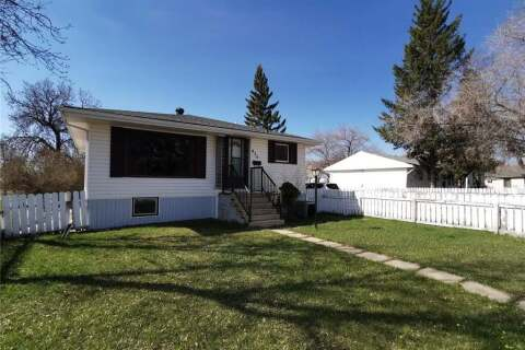 House for sale at 833 Fairford St E Moose Jaw Saskatchewan - MLS: SK808608