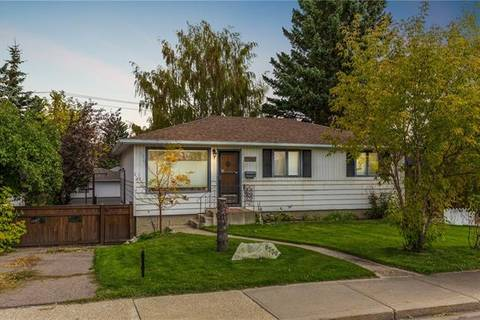 House for sale at 8336 Bowness Rd Northwest Calgary Alberta - MLS: C4270659