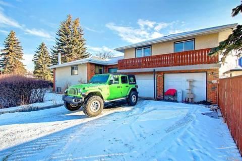 8347 47 Avenue Northwest, Calgary | Image 2