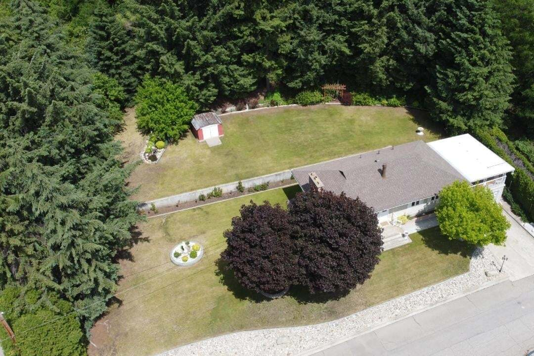 House for sale at 8358 Walsh Rd Trail British Columbia - MLS: 2453178