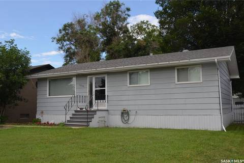 House for sale at 8368 Howard Ave Gull Lake Saskatchewan - MLS: SK782103