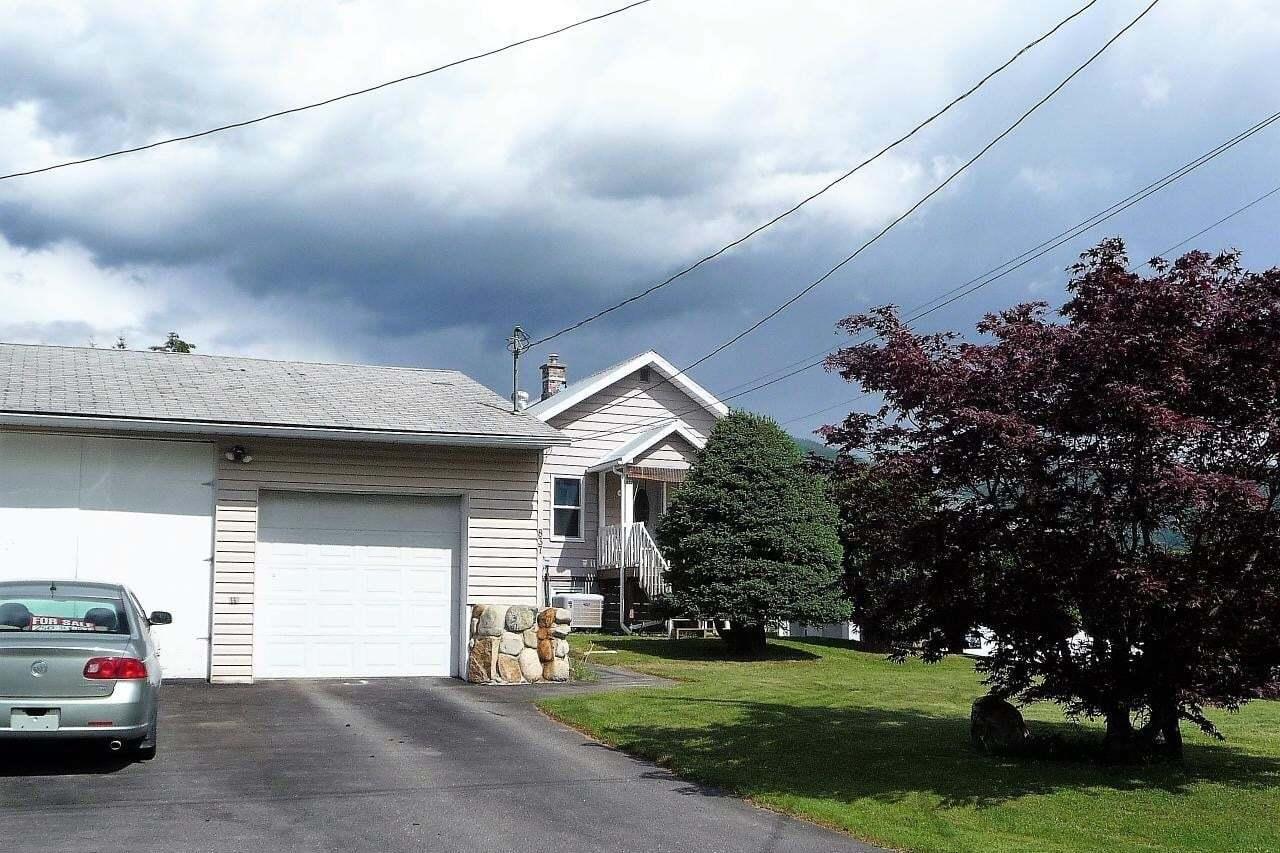 House for sale at 837 6th Avenue  Castlegar British Columbia - MLS: 2450733