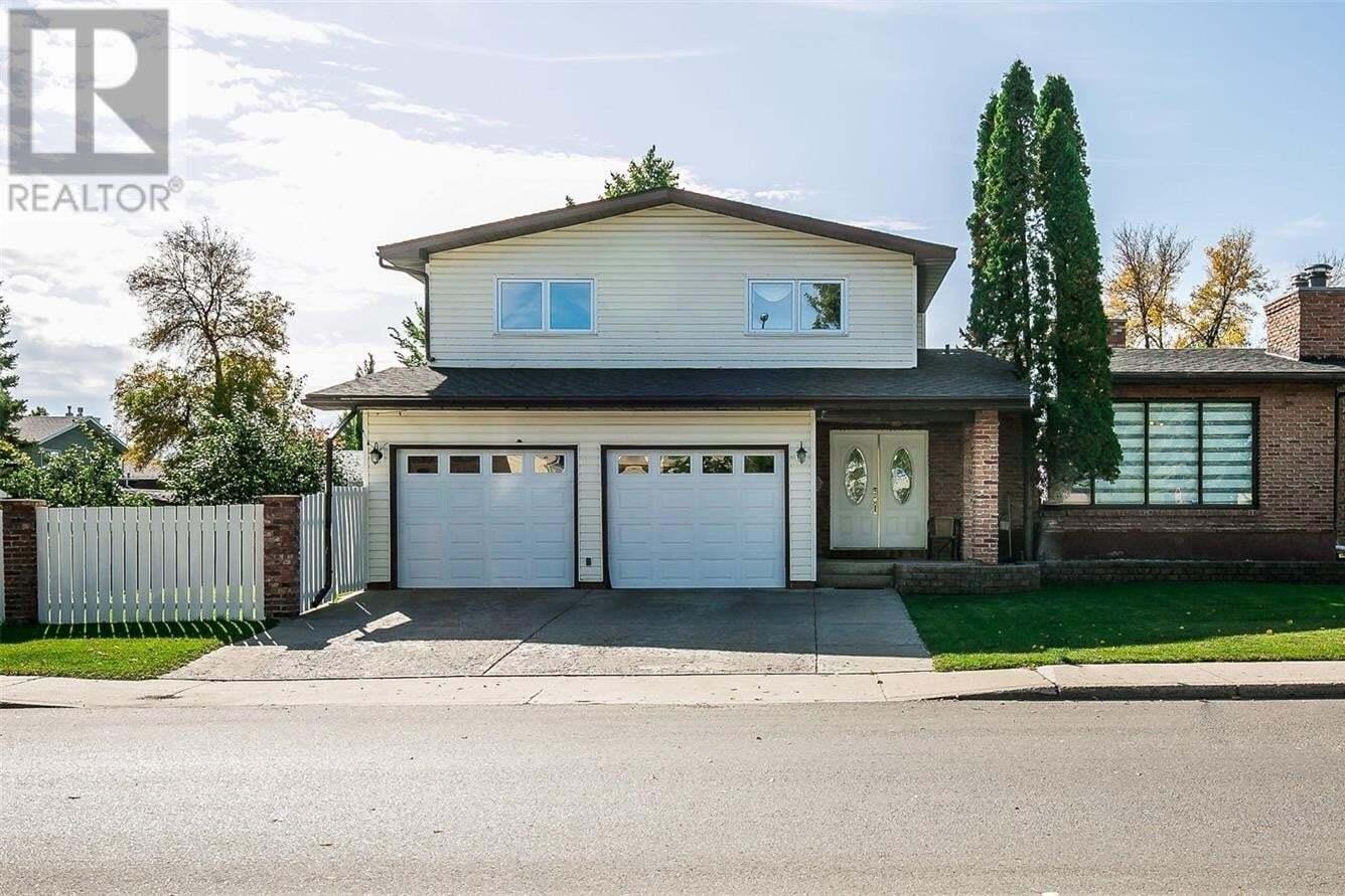 House for sale at 837 Mckercher Dr Saskatoon Saskatchewan - MLS: SK827683