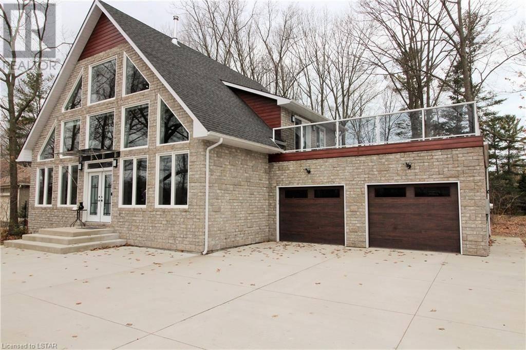 House for sale at 8376 Goosemarsh Line Lambton Shores (munic) Ontario - MLS: 249041