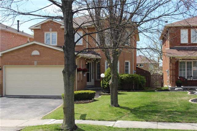 Removed: 84 Deverell Street, Whitby, ON - Removed on 2018-05-07 05:45:41