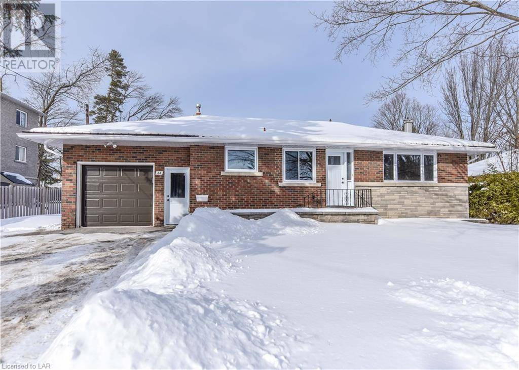 House for sale at 84 Fittons Rd East Orillia Ontario - MLS: 241765