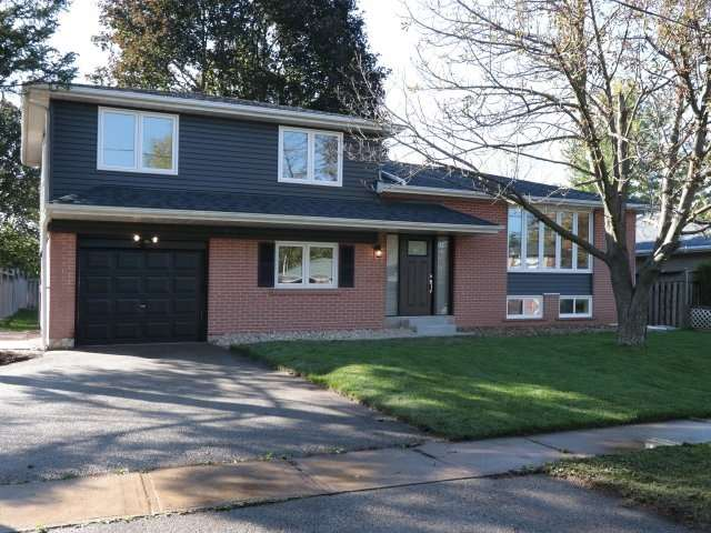 Sold: 84 Moore Park Crescent, Halton Hills, ON