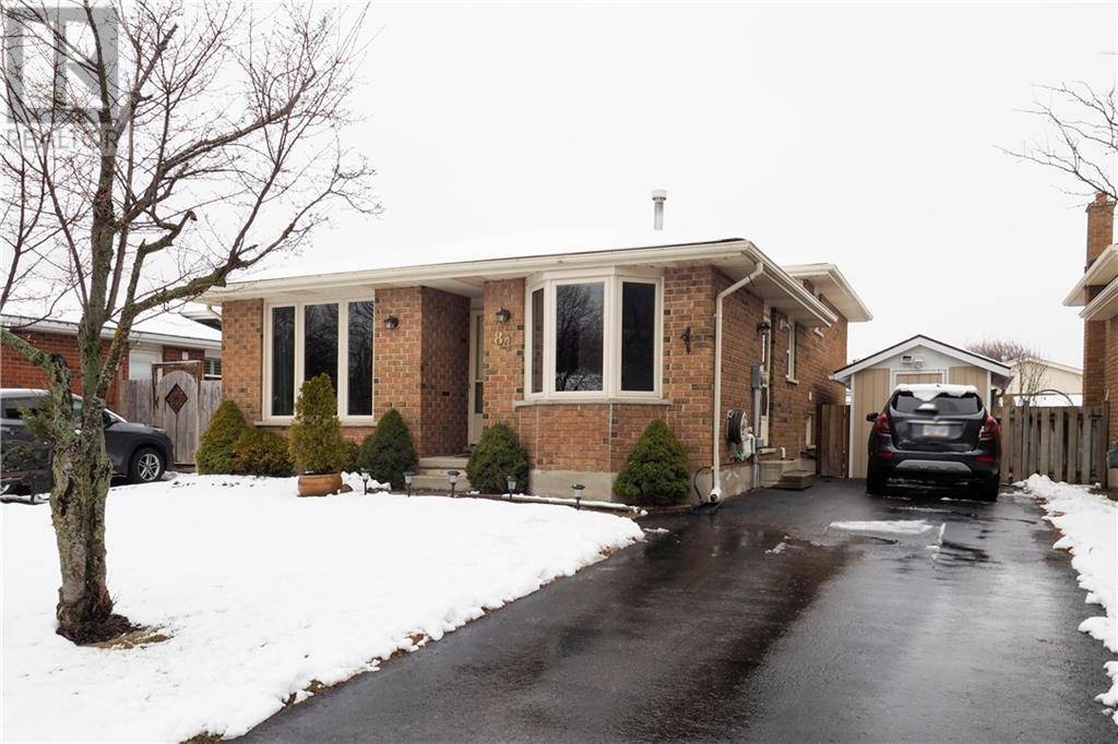 House for sale at 84 Summerhill Cres Kitchener Ontario - MLS: 30799522
