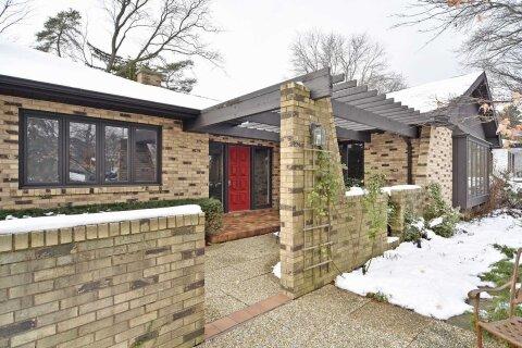 House for sale at 84 Waymar Heights Blvd Vaughan Ontario - MLS: N5057101