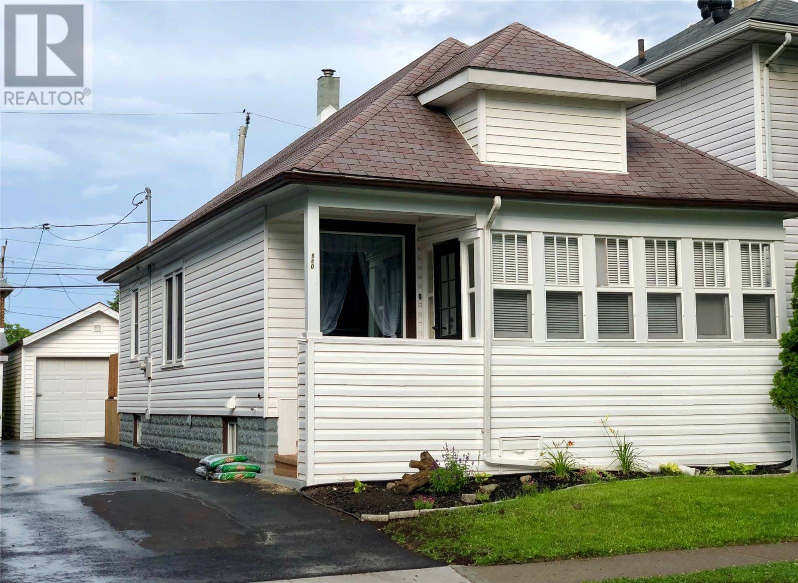 House for sale at 840 Ellrose  Windsor Ontario - MLS: 19022045