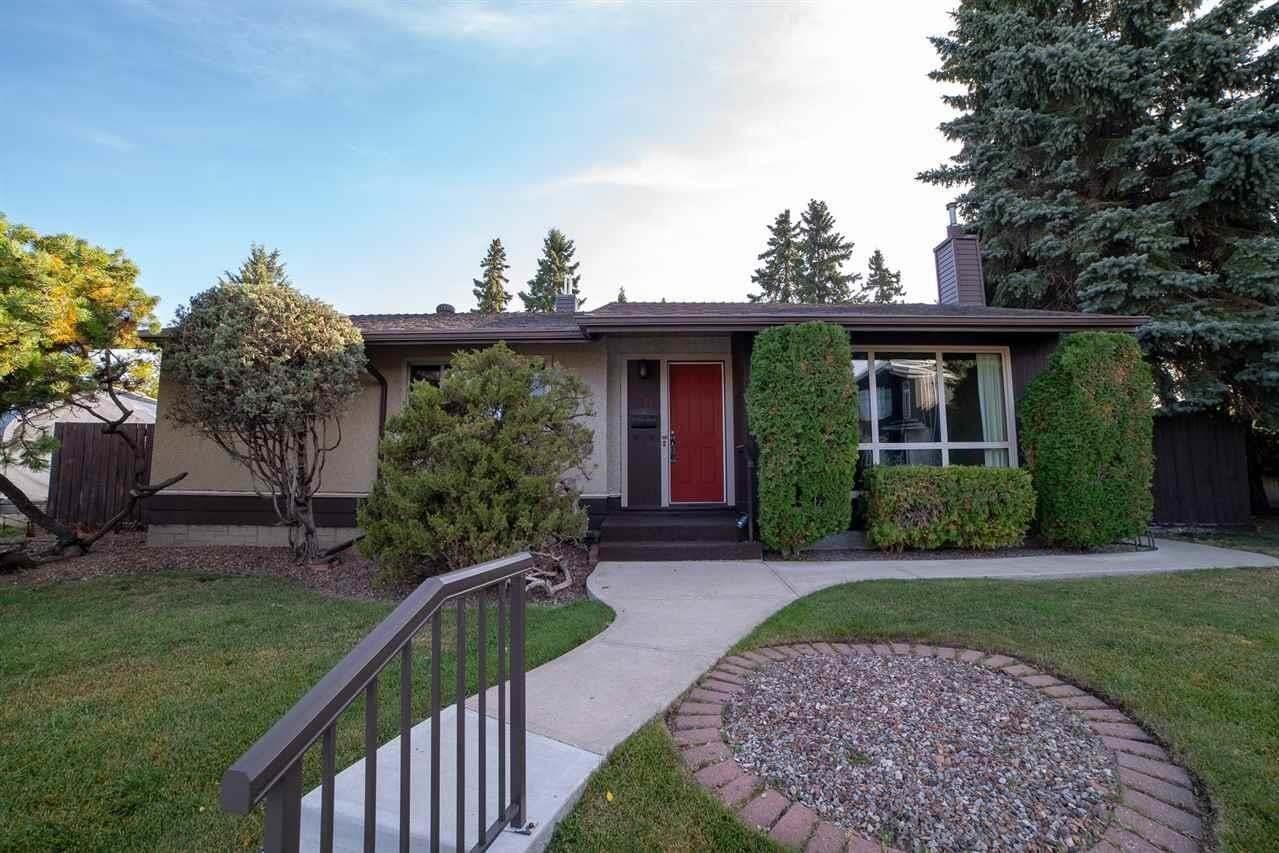 House for sale at 8400 75 Av NW Edmonton Alberta - MLS: E4215270