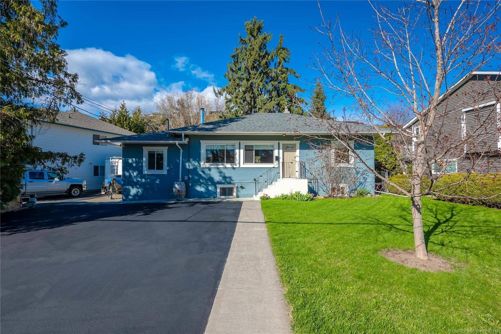 House for sale at 8407 Postill Dr Coldstream British Columbia - MLS: 10187119