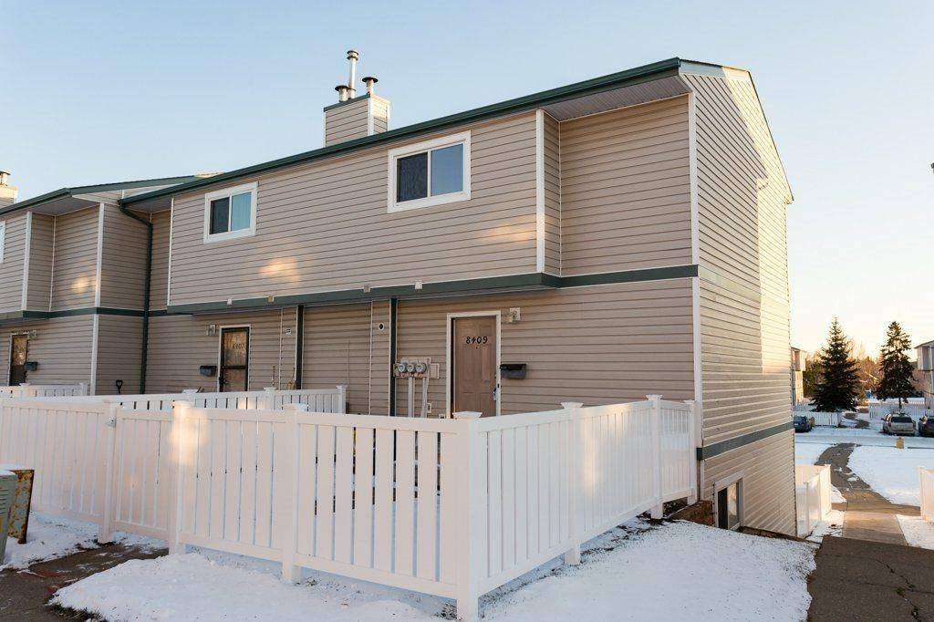 Townhouse for sale at 8409 29 Ave Nw Edmonton Alberta - MLS: E4187421