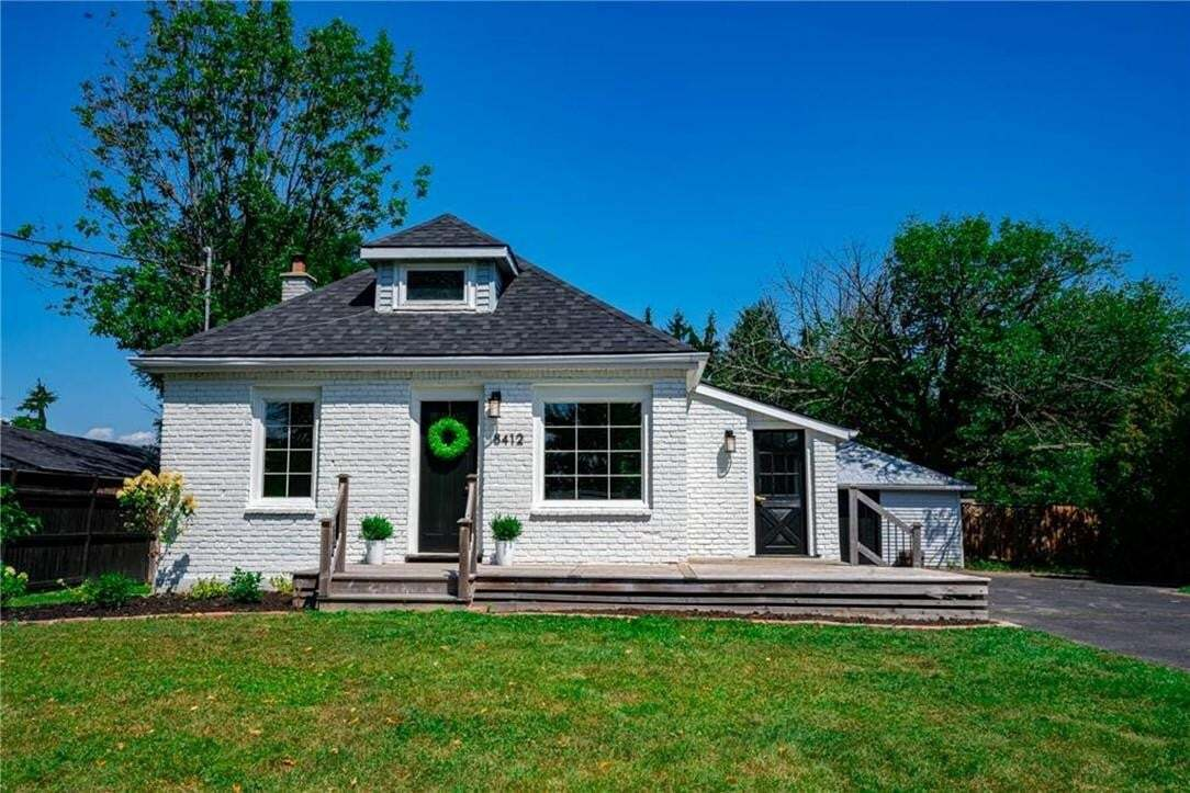 House for sale at 8412 English Church Rd Glanbrook Ontario - MLS: H4088544
