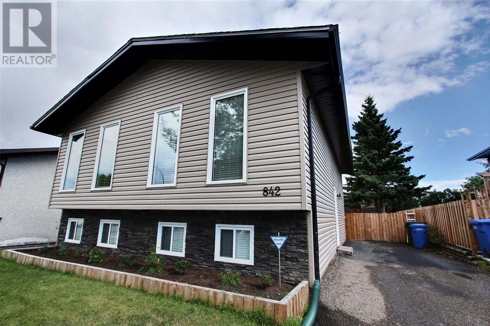 House for sale at 842 Spencer Dr Prince Albert Saskatchewan - MLS: SK824658