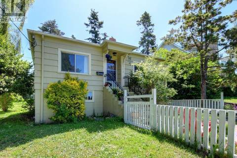 House for sale at 843 Tillicum Rd Victoria British Columbia - MLS: 412262