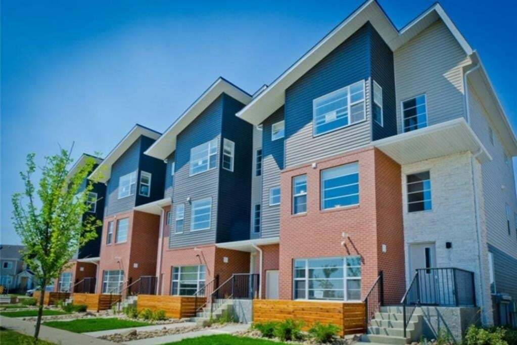 Townhouse for sale at 8431 Saddlebrook Dr Northeast Calgary Alberta - MLS: A1011015