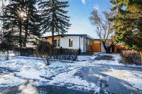 House for sale at 8439 Silver Springs Rd Northwest Calgary Alberta - MLS: C4274486