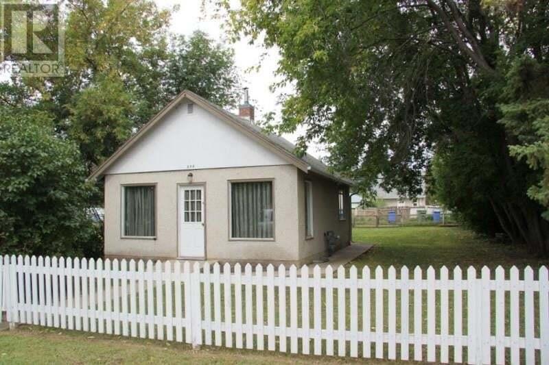 House for sale at 844 13th St W Prince Albert Saskatchewan - MLS: SK826429
