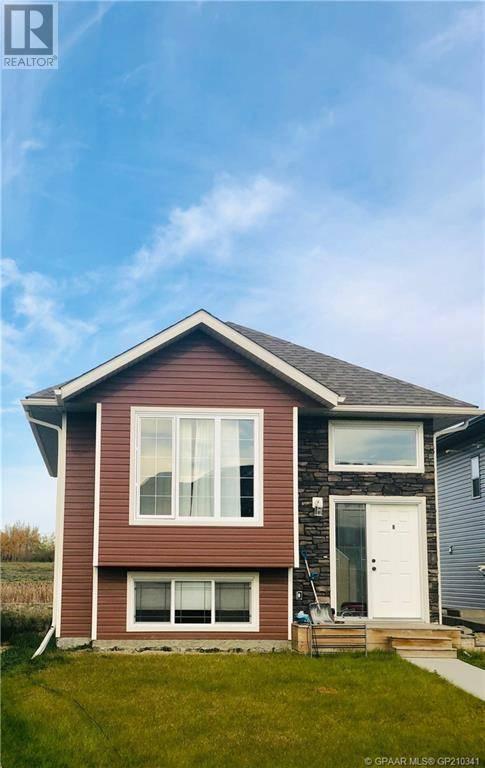 Townhouse for sale at 8442 102 Ave Grande Prairie Alberta - MLS: GP210341