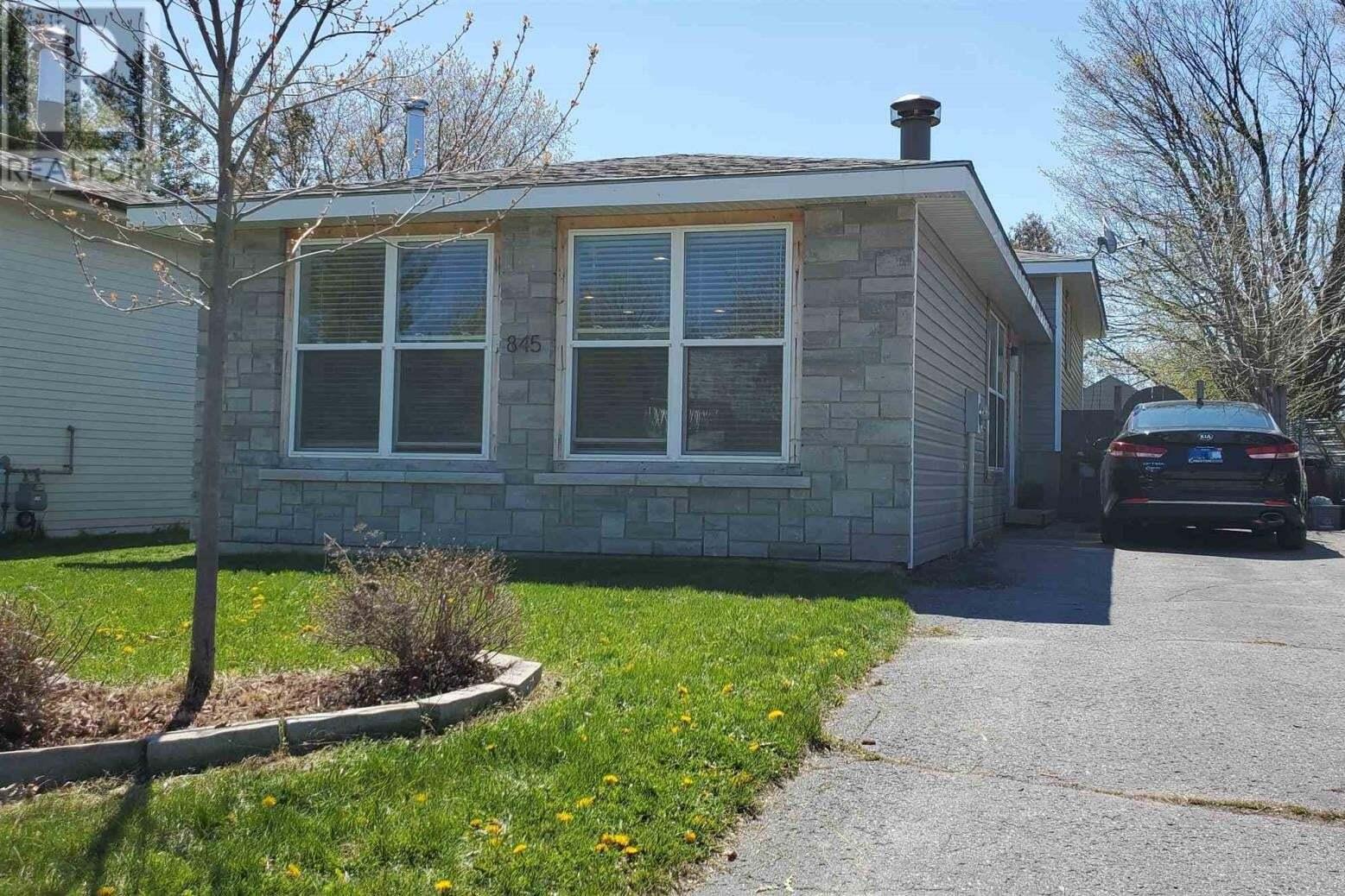 House for sale at 845 Cedarwood Dr Kingston Ontario - MLS: K20002404