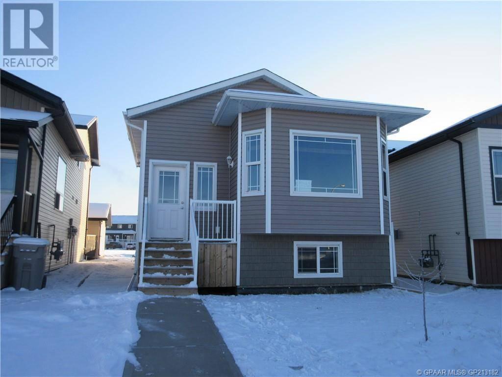 Townhouse for sale at 8461 102 Ave Grande Prairie Alberta - MLS: GP213182