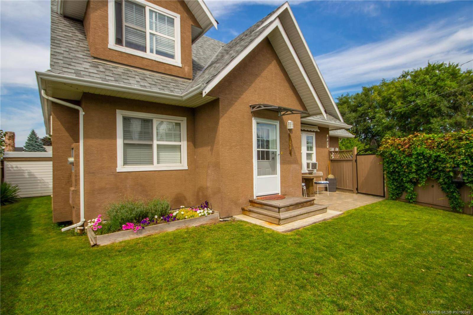 Townhouse for sale at 847 Birch Ave Kelowna British Columbia - MLS: 10190349