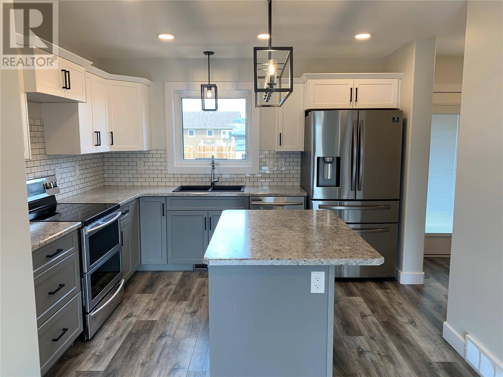 House for sale at 847 Glenview Cv  Martensville Saskatchewan - MLS: SK803816