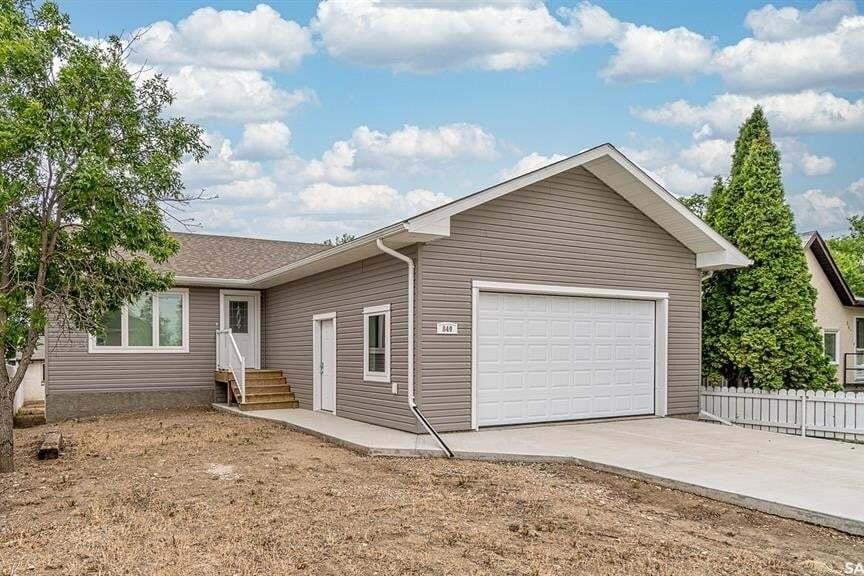 House for sale at 849 Hochelaga St E Moose Jaw Saskatchewan - MLS: SK815416