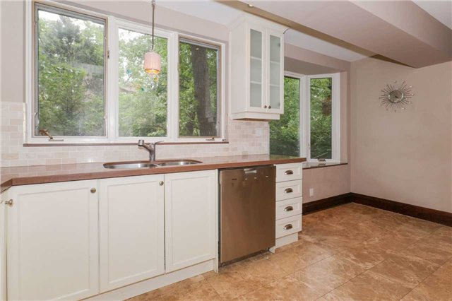 For Rent: 85 Baby Point Road, Toronto, ON | 5 Bed, 5 Bath House for $6,500. See 13 photos!