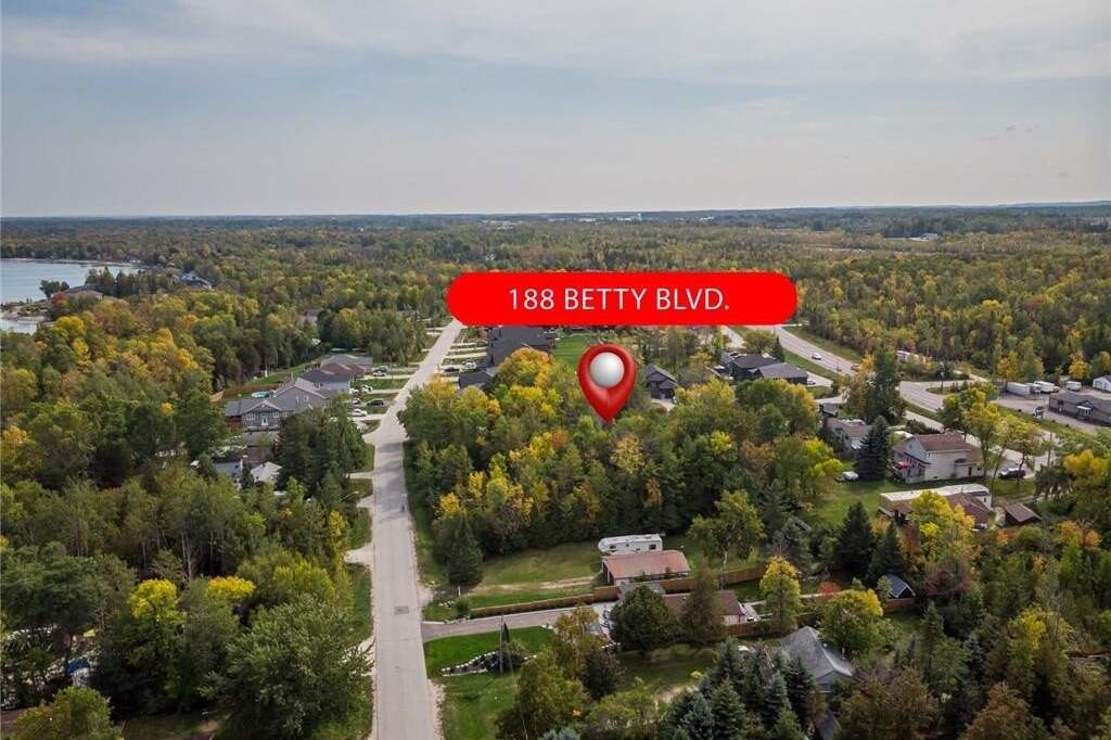 Home for sale at 85 Betty Blvd Wasaga Beach Ontario - MLS: 266131
