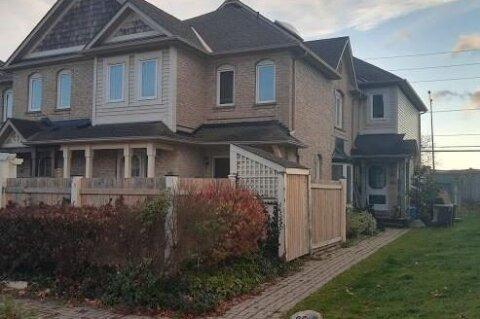 Townhouse for sale at 85 Chipmunk Cres Brampton Ontario - MLS: W4982883