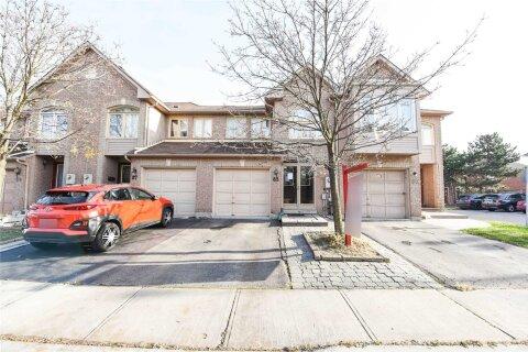 Townhouse for sale at 85 Kenwood Dr Brampton Ontario - MLS: W4982444