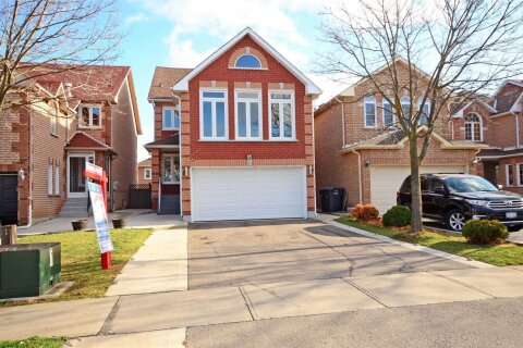House for sale at 85 Mosley Cres Brampton Ontario - MLS: W4993391