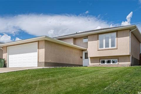 House for sale at 850 Athabasca St W Moose Jaw Saskatchewan - MLS: SK784213