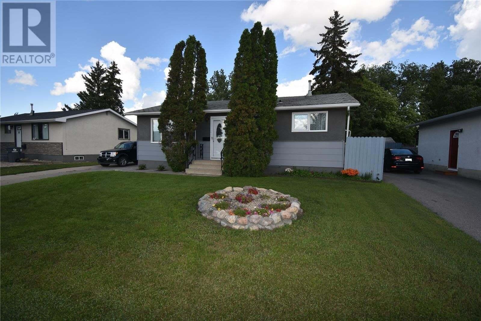 House for sale at 850 Confederation Dr Saskatoon Saskatchewan - MLS: SK817638