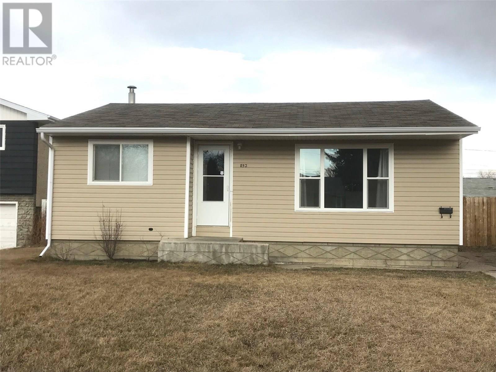 House for sale at 852 112th St North Battleford Saskatchewan - MLS: SK754166