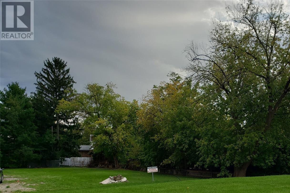 Residential property for sale at 8535 Riverside Dr East Windsor Ontario - MLS: 20006427