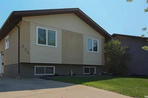 House for sale at 854 Erb By Regina Saskatchewan - MLS: SK773735