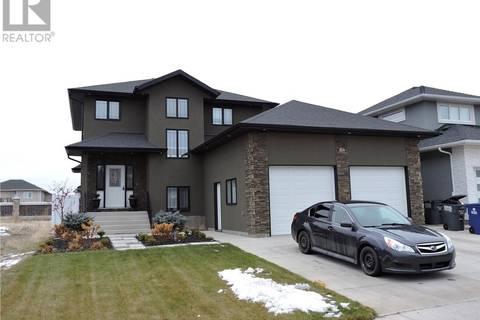 House for sale at 854 Kloppenburg Ct Saskatoon Saskatchewan - MLS: SK797226