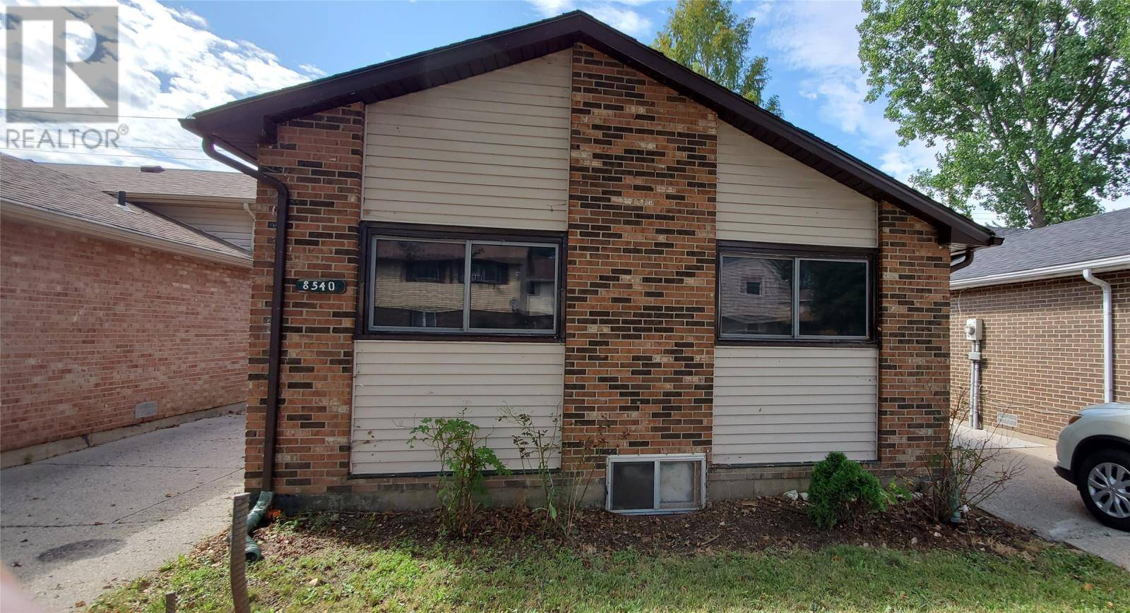 House for sale at 8540 Darlington  Windsor Ontario - MLS: 19024137