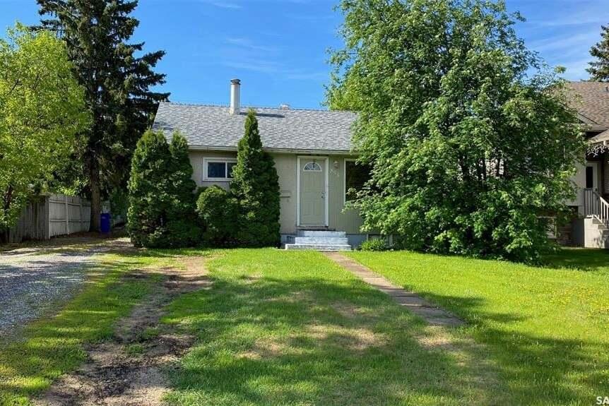 House for sale at 855 3rd St E Prince Albert Saskatchewan - MLS: SK810067