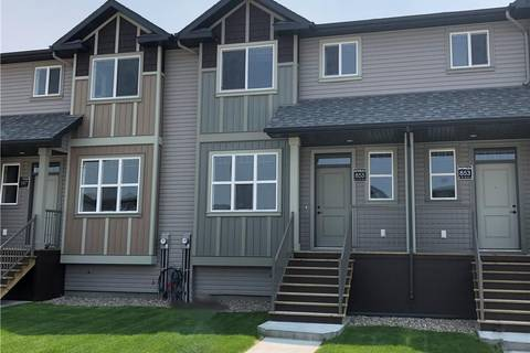 Townhouse for sale at 855 Greywolf Run N Lethbridge Alberta - MLS: LD0158663